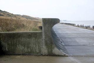 Hard sea defence